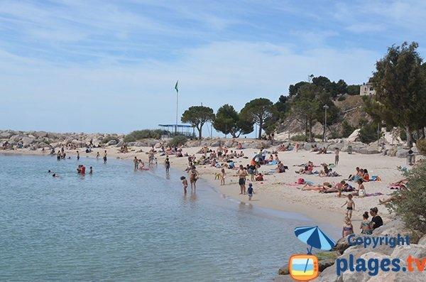Plage de la Batterie, l'une des plages des Corbières à l'ouest de Marseille