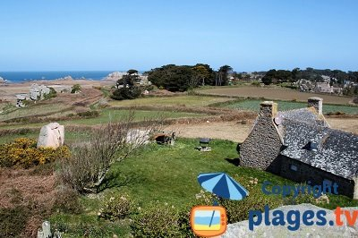 Village de Plougrescant en Bretagne