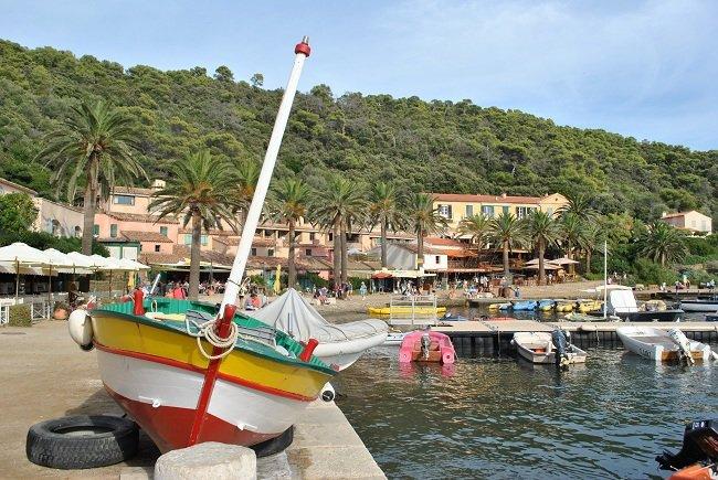 Le port de Port-Cros à proximité de Porquerolles