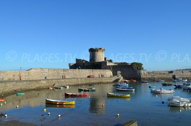 Fort de Socoa avec son port