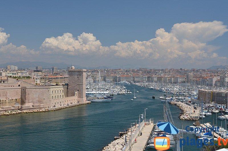 Port de Marseille depuis la colline du château