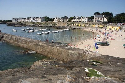 Beach and harbour of Batz sur Mer - France
