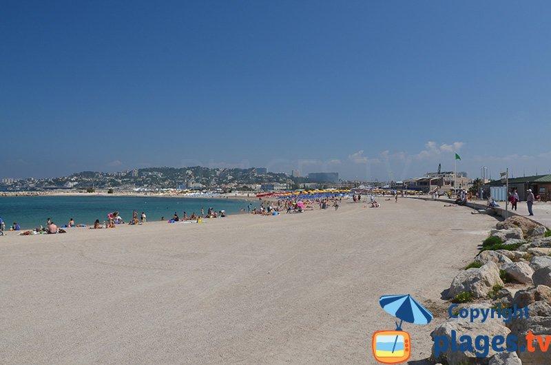 Plage du Prado Bonneveine à Marseille - plage de sable