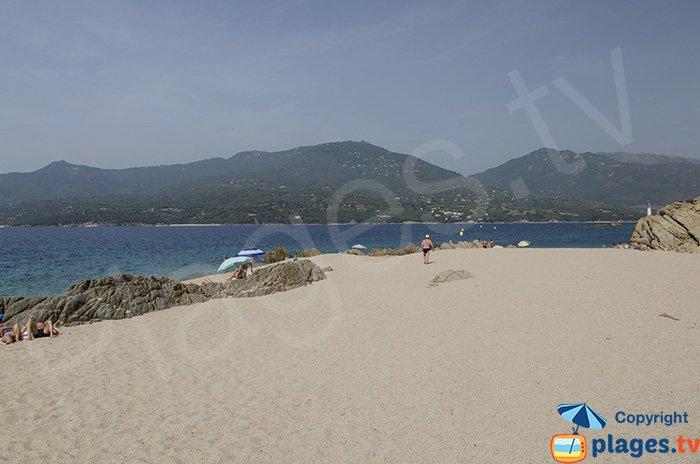 Extrémité de la plage de Puraja ouverte sur le golfe de Propriano