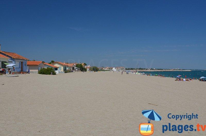 Quartier du Racou avec ses maisons sur la plage