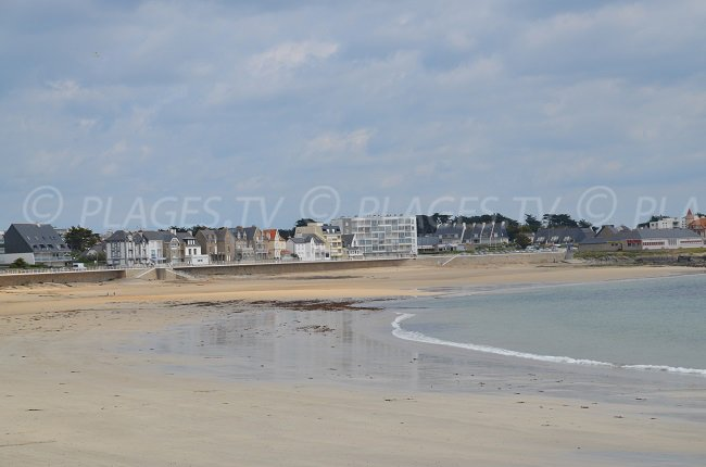 Beach in the town centre of Quiberon