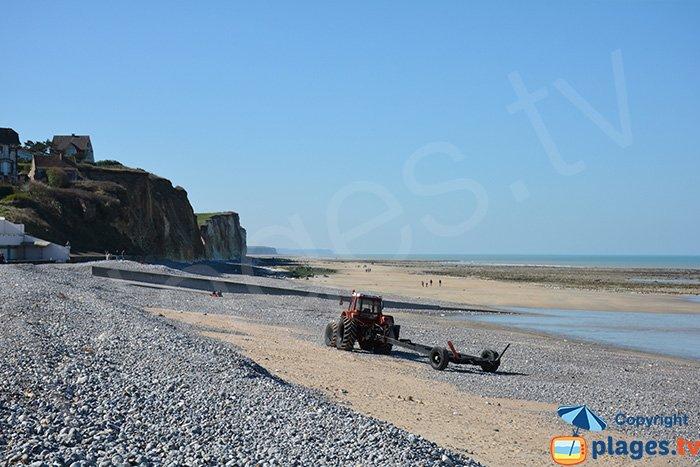Quiberville plage avec du sable et les falaises