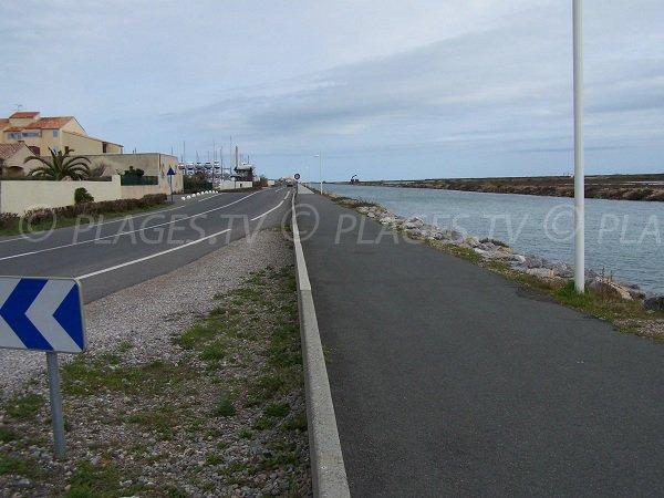 Route d'accès à la plage des Chalets