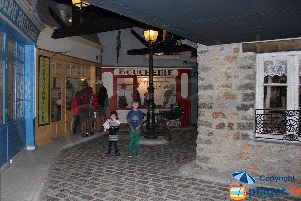Rue reconstituée de Quinéville lors de l'occupation allemande