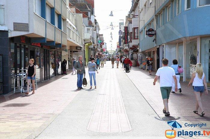 Rue Saint Jean au Touquet: la rue la plus animée