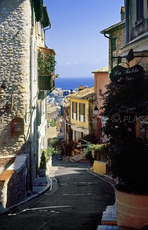 Steep street in Haut de Cagnes with a sea view