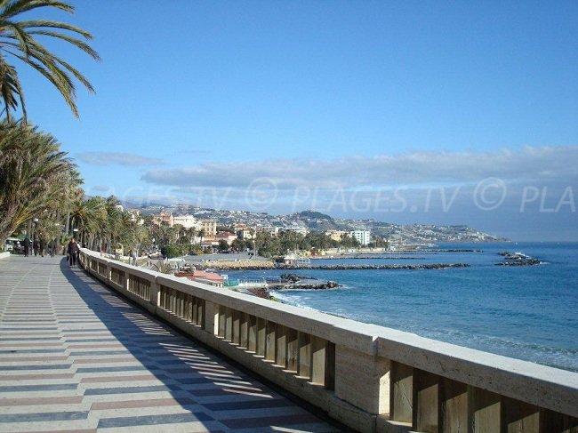 Front de mer dans la province d'Imperia - San Remo