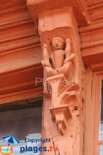 wood sculptures in Lannion