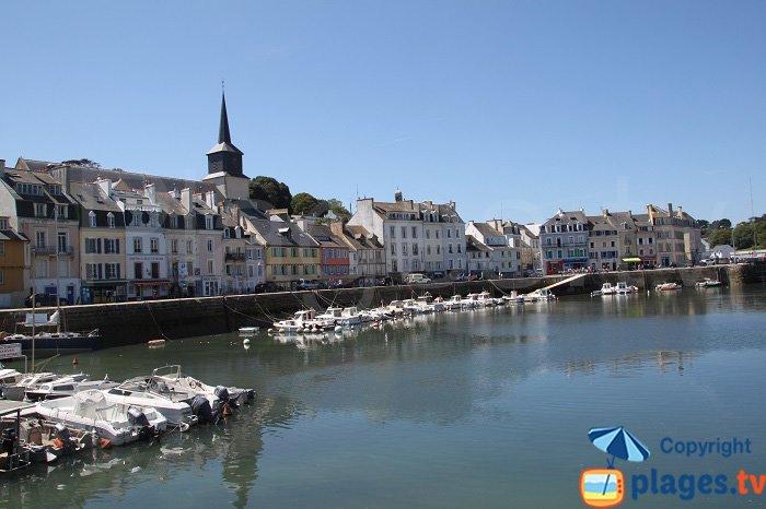 Animation du Palais autour du port - Belle-Ile