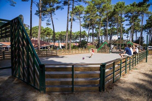 Terrain de sports au camping Les Oyats à Seignosse