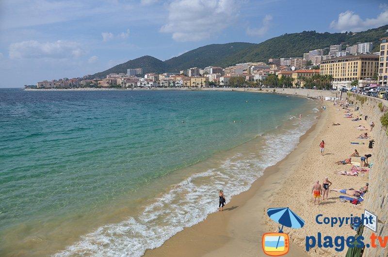 St François la plage la plus proche du centre d'Ajaccio