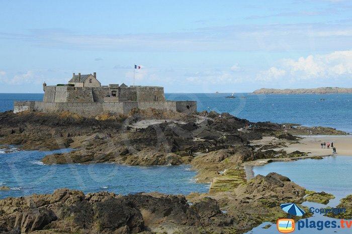 St Malo's Fort Vauban next to the city centre beaches