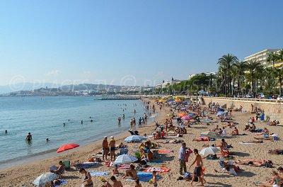 Plage à l'extrémité de la Croisette à Cannes