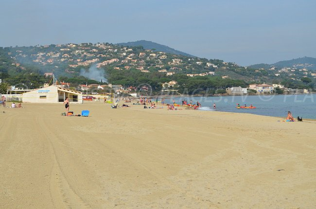 Nartelle Beach in Sainte Maxime: a huge sandy beach with many activities