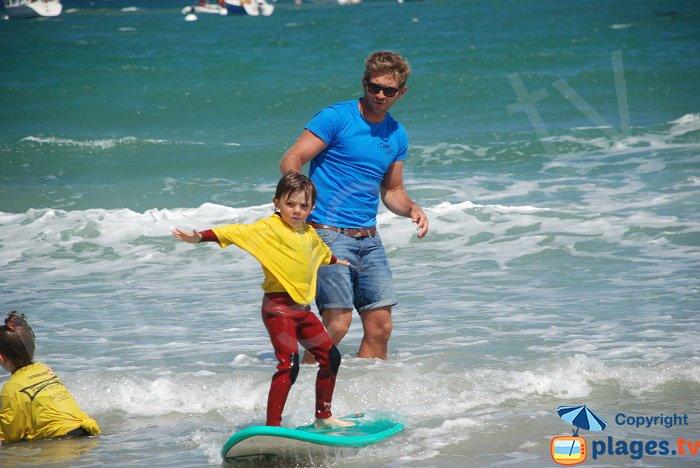 beginner surfer in Perros Guirec