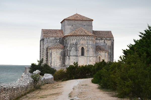 Talmont sur Gironde and its Church of Ste-Radegonde