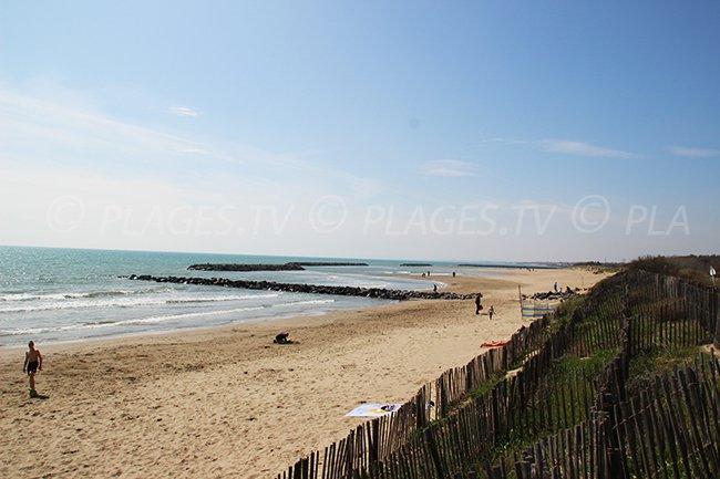 Vias-Plage: une longue étendue de sable