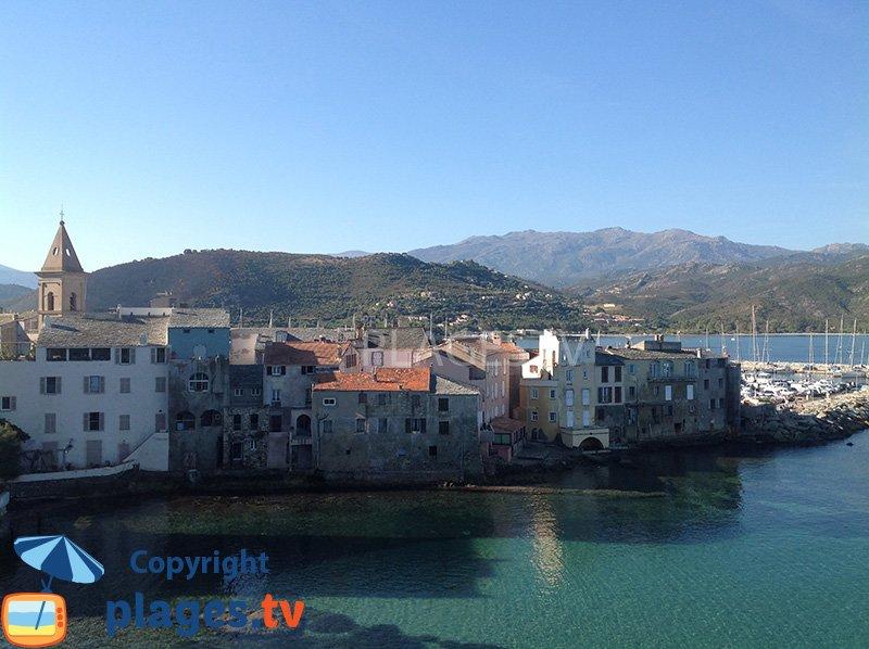 Vieille ville de St Florent côté mer
