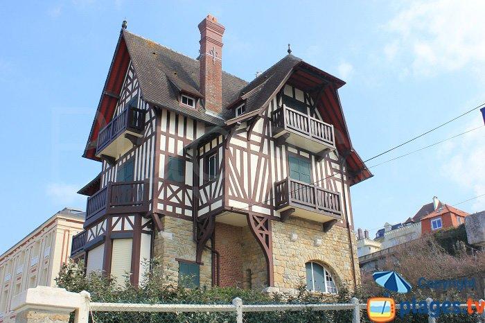 Villa les Algues située en bord de mer - Villers sur Mer