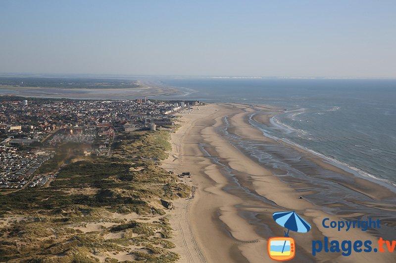 Vue aérienne de Berck au niveau des dunes du Nord