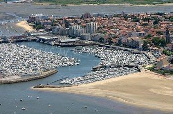 D co bassin baignade lanton montreuil 16 bassin montreuil - Bassin aquatique contemporain calais ...