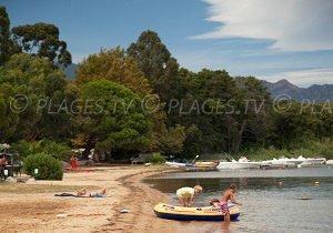 Spiaggia nella baia di Stagnoli