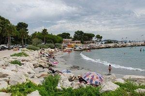 Spiaggia del porto di Saint Jean