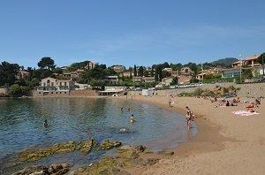 Plus belles plages carqueiranne var provence alpes c te d 39 azur france - Coiffeur du port carqueiranne ...