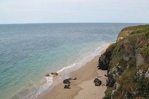 Beach and coves of Porh Huelén  - Locmaria
