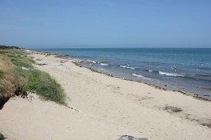 Brèche le Bisson Beach - Graye-sur-Mer